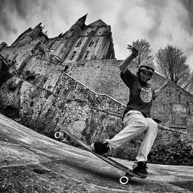 @laurent_perigault shredding at Abbaye du Mont-Saint-Michel.