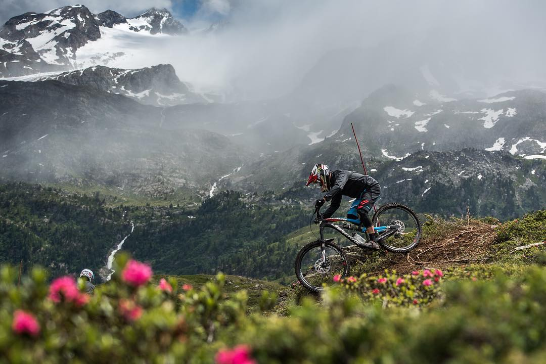 Riders on course!!! @world_enduro have a habit of picking breathtaking locations for their races... #ewslathuile looks no different. Pumped to see the SixSixOne supported @lapierrebikes enduro racers in action this week! #661Protection #SixSixOne...