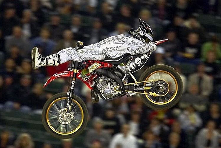 #TBT || @RonnieFaisst catching some