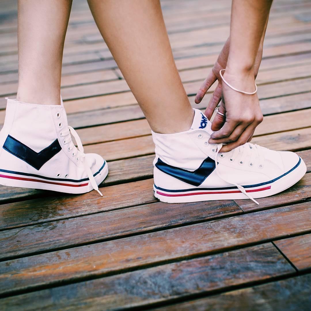•S h o o t e r•☇☇☇ . . . #sneakers #sneakernews #sneakerporn #kicksonfire #kicks #kickstagram #shoes #fashion #style #vsco #vscogood #vscocam #vsco #instacool #instagood #instadaily #like4like