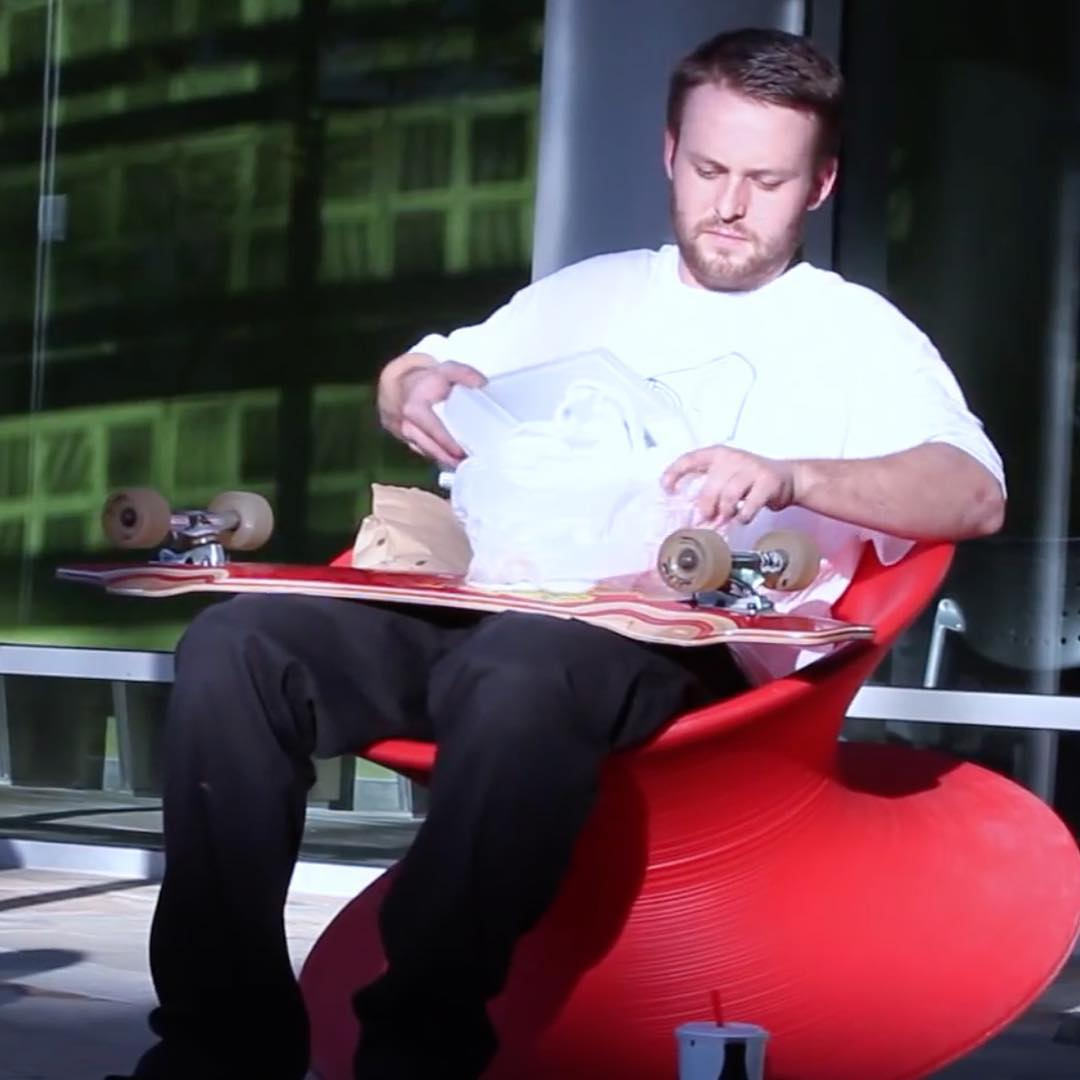 @skatephx created a video that shows the Lunch Tray is not just a freeride board. You can also skate it through the city and cruise on it. DB team rider @jasonbither took the DB Lunch Tray out to lunch and showed us the funkier side of the board's...