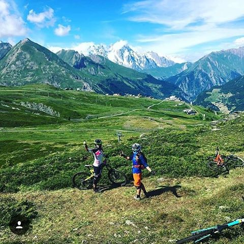 What a view! Shout out to our awesome #Enduro ladies shredding out at the @world_enduro in #LaThuile today ! You got this!