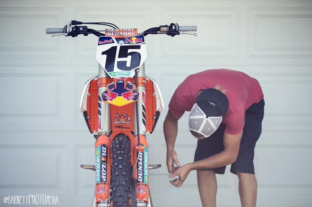 This steed has a baddddd dude on it this weekend watch out Millville!! @deanwilson15 #cominginhot #killit #watchout #dirtbikes #moto #shred #SVGE