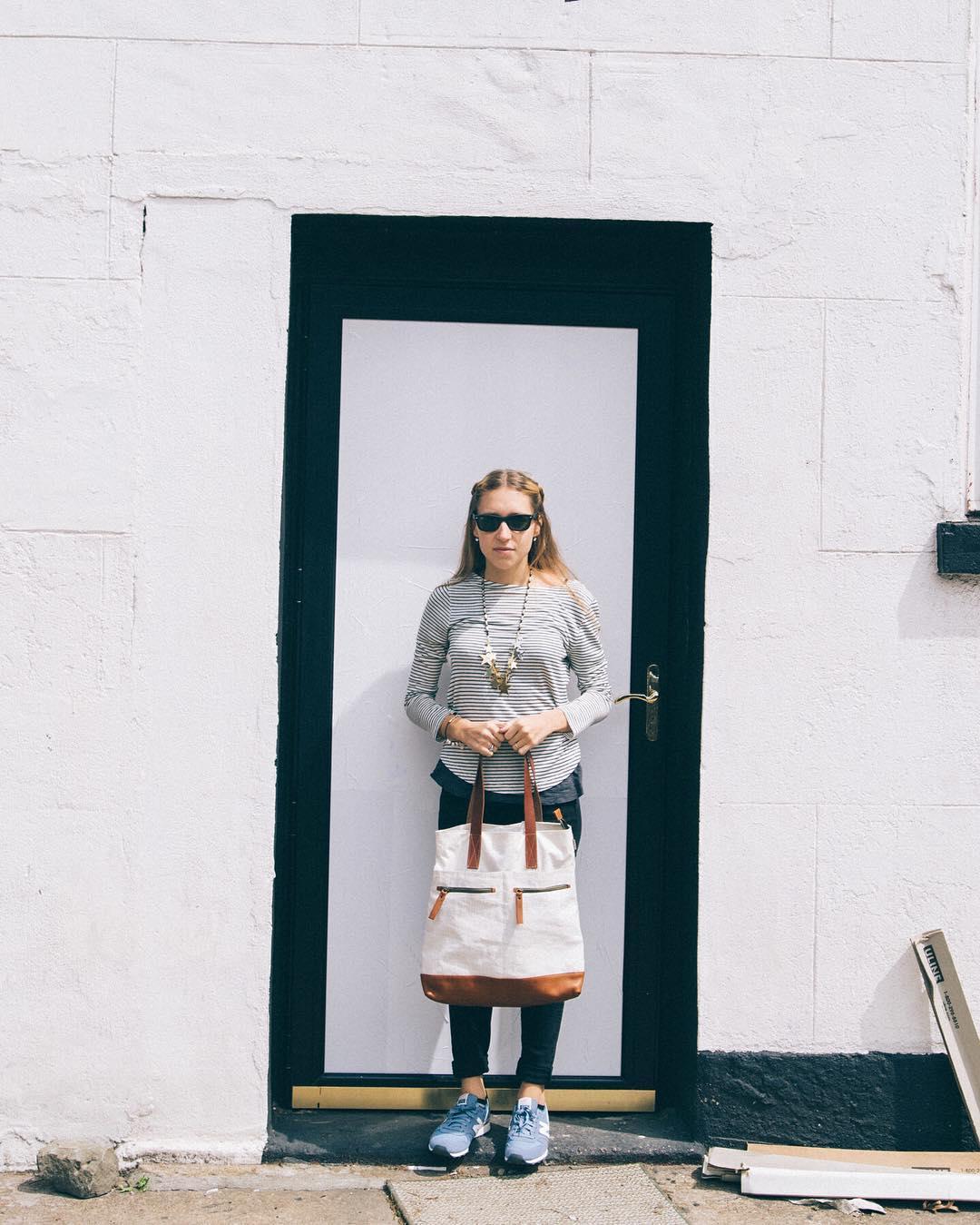Brighton Sailors®, de velas recicladas y cuero de curtido vegetal en stock.  www.tinchoandlola.com ----- #tinchoandlola #tincholife #recycledstories #mochilas #cuero #algodon #diseño #diseñoargentino #buenosaires #argentina  #style #fashion #backpack...