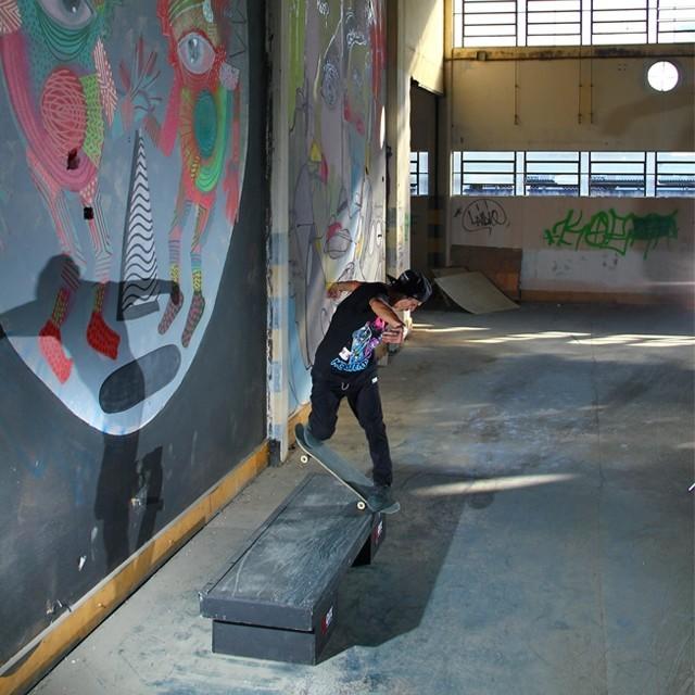@thiagopingo - Bs Noseblunt Secret Spot. Foto: Thomas Losada. #qix #qixskate #skateboardminhavida
