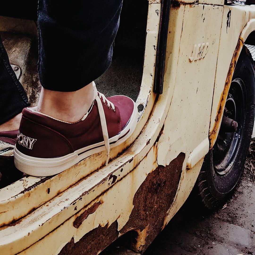 •M a r e a  L e•☇☇☇ . . . #instagood #instamood #instadaily #instacool #retro #vintage #cars #vsco #vscogood #vscocam #sneakerporn #sneakernews #sneakerfiles #sneakers #kicks #kicksonfire #fashion #mensfashion #style #lifestyle #streets #streetstyle