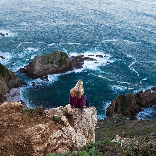 Finding a quiet escape in Big Sur PC: @goldiehawn_  #soloeyewear #liveandgive