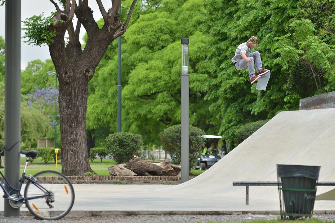 HIGH ✔️ @axlmat #SpiralShoes #TeamSpiral #Skateboarding #Skatestyle #Skatelife #Skateordie
