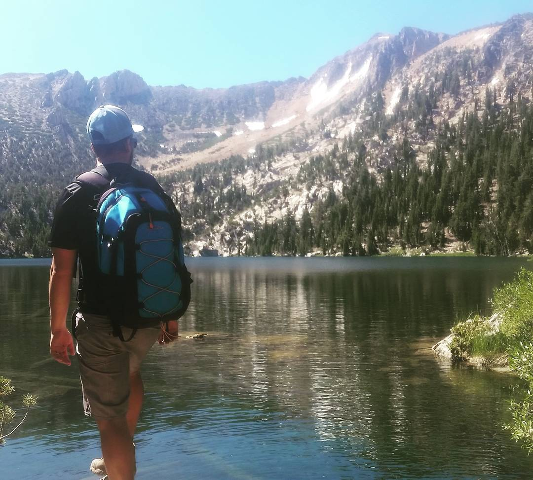 Hike out to Star Lake with the Cascade! #whatsyour20 #hiking #getoutside #laketahoe #tahoesouth #tahoesnaps #renotahoe #backpacks #coolers #xplorewild #graniterocx #outdoorsrocx