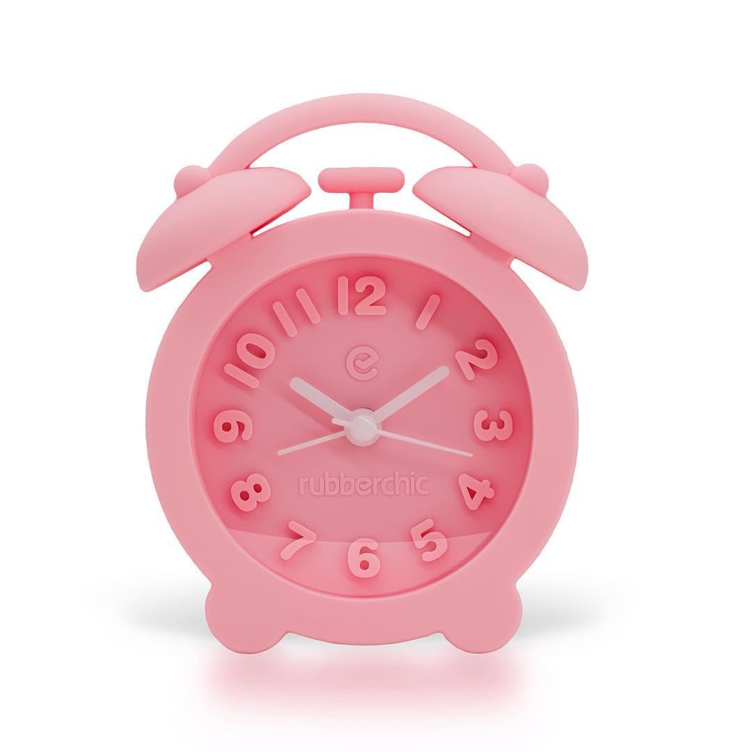 ¿Vacaciones de Invierno? Apagá tu Wake Up!  Todos los colores en http://rubberchic.net/coleccion/wake-up/ #ItsRubberTime #WinterBreak #PinkSoft