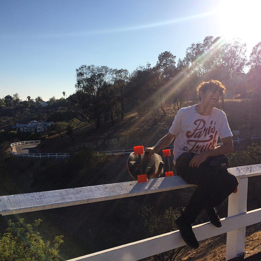 Team rider @ari_shark was up in the hills this weekend, taking runs and basking in the sunshine. Soak it up dude.
