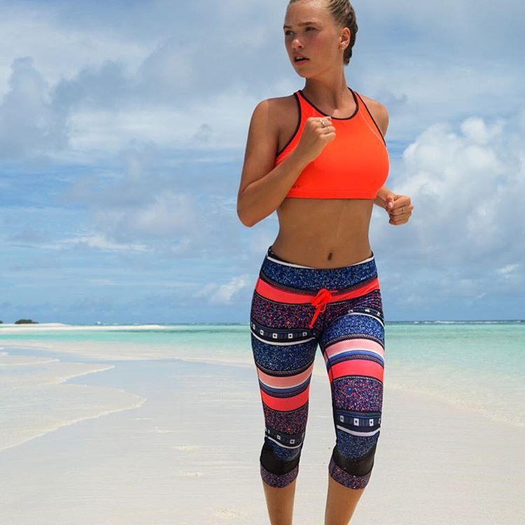 Is it just us or is working out easier in fresh gear? NEW #ROXYfitness styles have landed and are all the #MondayMotivation we need!  roxy.com/fitness