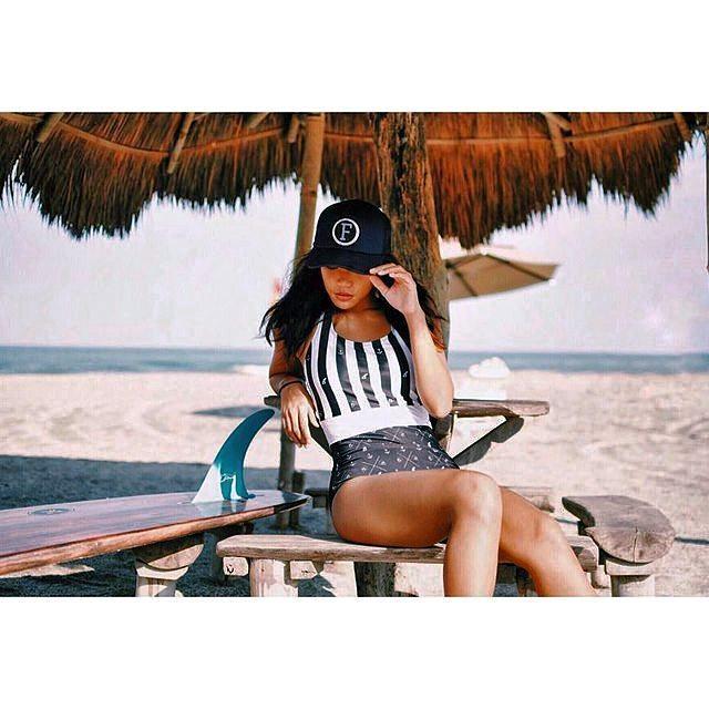 #AkelaSurf BlackLagoon #repost @beachcuties #singlefin #classic