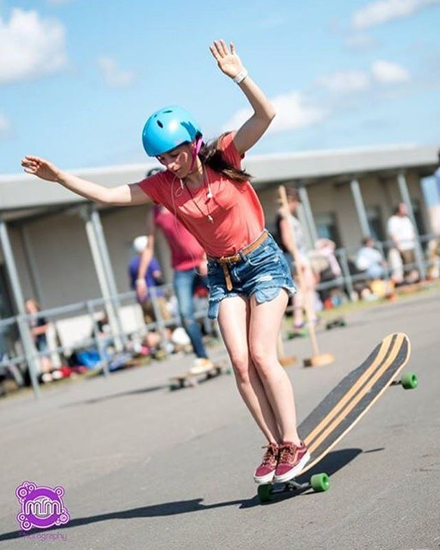 Good Monday family!  We're totally inspired by this beautiful photo of our @longboard_girls_crew_uk Ambassador @ballerignar hanging 10. She also won the Women's Downhill Division during this weekend's #RazorbackGames2016. Whoa Cris!