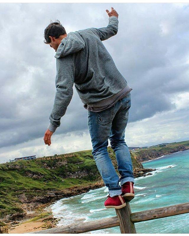 Lunes bien arriba! @dany_locosxelsurf  desde #España entrenando a fondo!