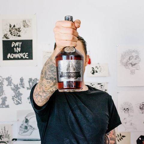 Scott Campbell @scampbell333 for the Hennessy @hennessyus V.S 2016 Artist Label series. . . Hennessy is world renowned for their Cognac and what really speaks to us in the art world is the fact that they work with world renowned artists to collaborate...
