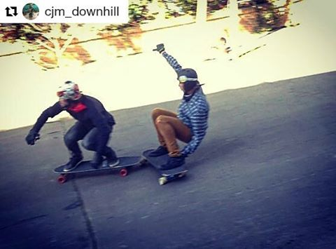 Team Wika en acción!!! #Repost @cjm_downhill ・・・ Close enough with Team partner @juanagustintraverso  #longboard #downhill #freeride #skate #standup #slide #drift #close #closer #steep #hill #goofy #style #team #brothers #friends #wika #andarxandar...