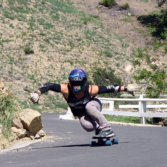 @skatebagels stylin' down California's finest. This girl got #style #longboardgirlscrew