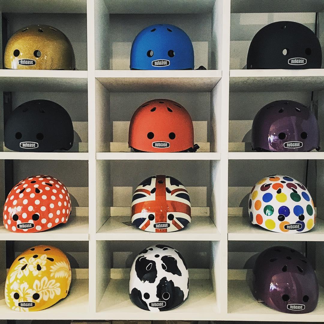 New arrival!!!! Ahora podes conseguir todos los cascos nutcase en Monochrome!!! #monochromebikes #ilovemymonochrome #monochromebikeshop #monochromenew  #nutcasehelmets #nutcaseargentina