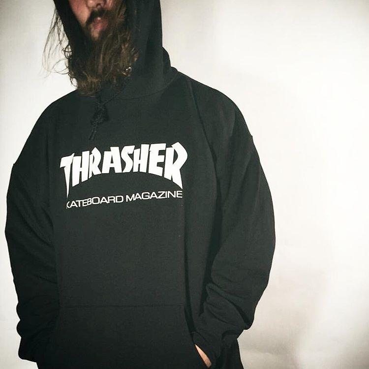 Buzos #thrasher .. se van rapiditoo.. #thrasherargentina #AvStaFe4096 #galeriaplazaitalia