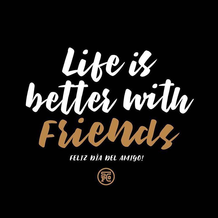 Porque con ellos elegimos pasar nuestros mejores momentos , y nos acompañan en los no tan buenos. Un brindis por la amistad !