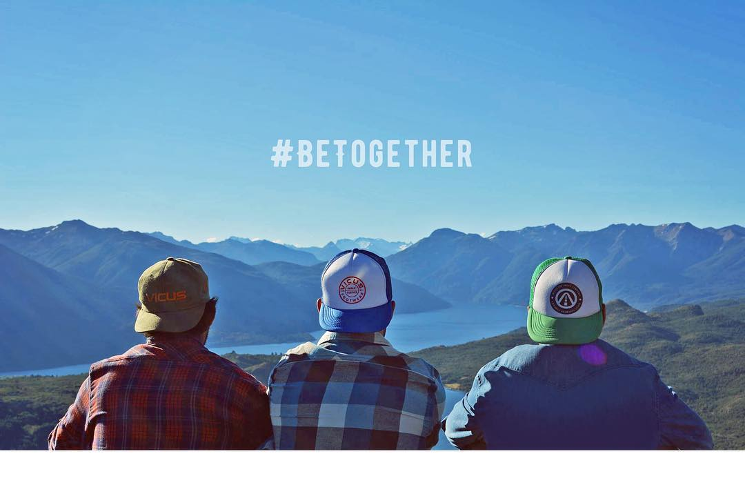 Feliz día del amigo para todos! #BeTogether. ✊