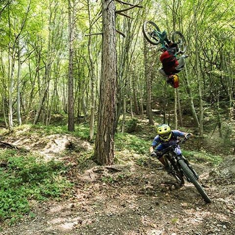So sick! Would you let a mate back flip over you?? @maximepeythieu sends one over @richieschley at his local #SerlinTrail!