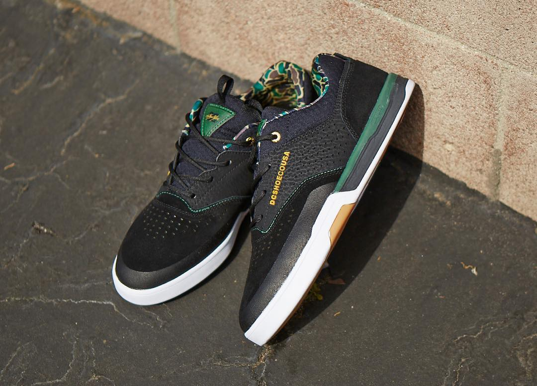Loaded with tech features, the Cole Lite 3 is built to withstand all the punishment you and your board can put it through.  Get it now in Black/Camo at: dcshoes.com/chriscole. @chriscobracole #DCShoes #colelite3