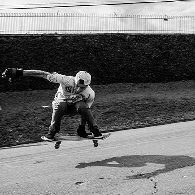 @sergioyuppie durante sessão no Tramontina, em Curitiba - PR. #qix #qixskate #skateboardminhavida
