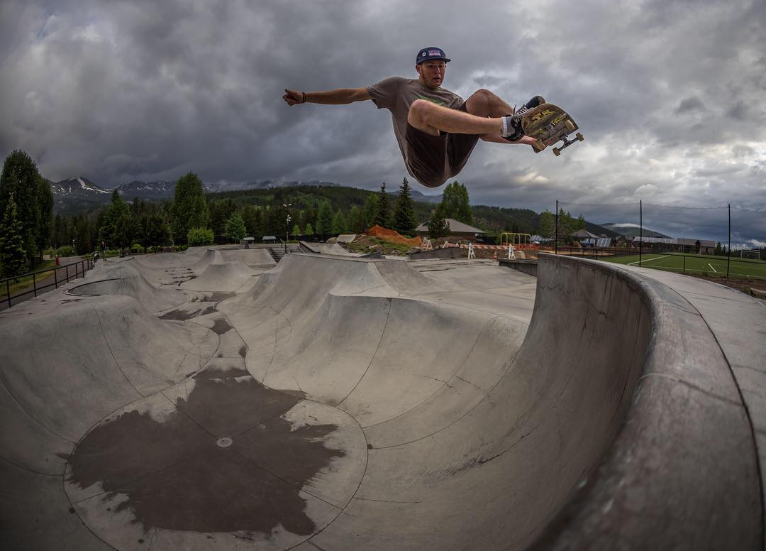 @chadotterstrom with the rad, moody capture of @nutrash_hansen 's boned out stale at the Breck park