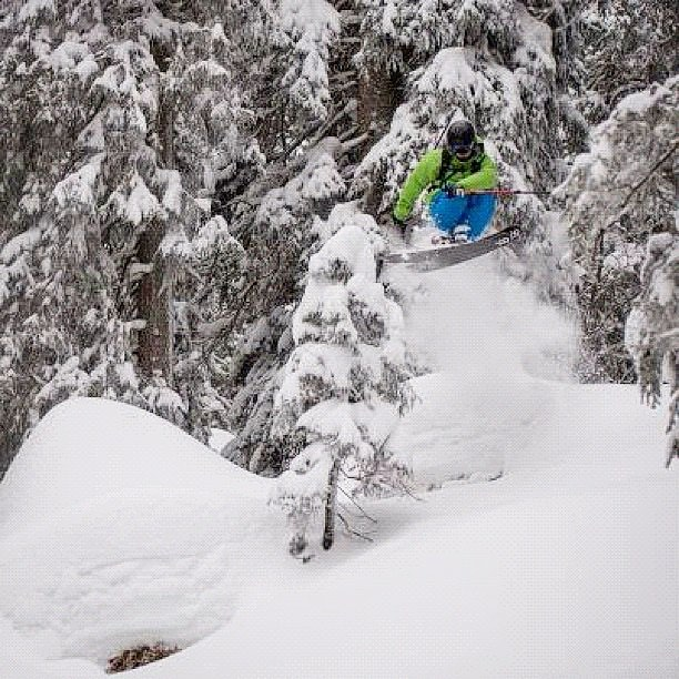 DPS' Piers Solomon pillow hopping on the Lotus 138. Photo: @danielwipfli
