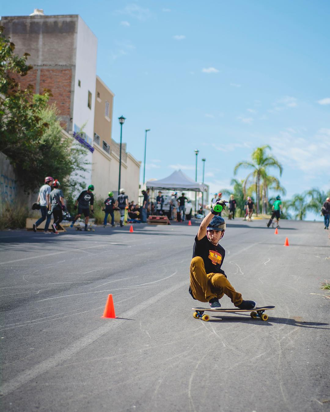 #OrangatangAmbassador @marcosandoval_lbd has been in Los Angeles for some days now.  Here's him sliding to avoid cones at a slide jam back home in Guadalajara.