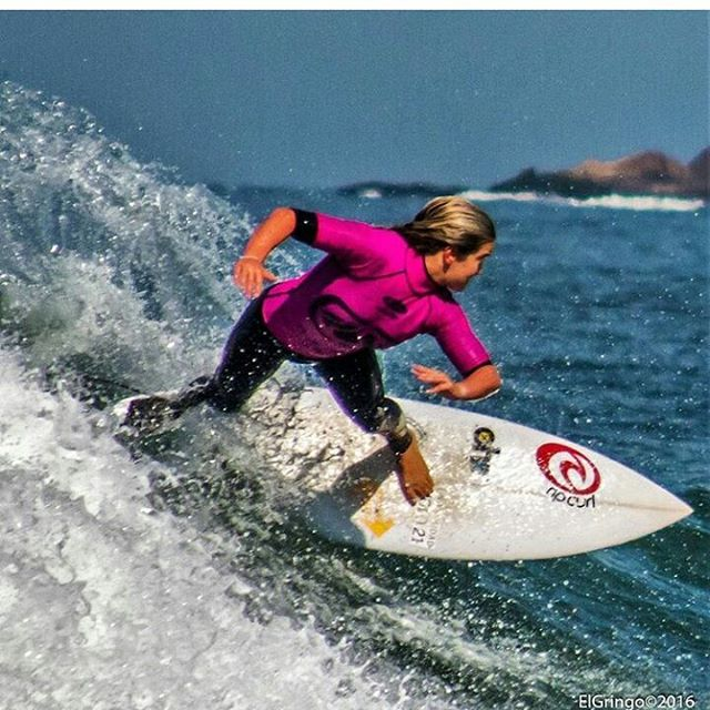 Felicidades @lucia_cosoleto !!!! 1er puerto en #ferrugem #garopaba  PH: @elgringophotosurf  #surf #girls #surfing #itgirls #lifestyle #waves #Brasil #surfgirls #travel #love #smile #champions #follow4follow #longboard #fish #praia #beach