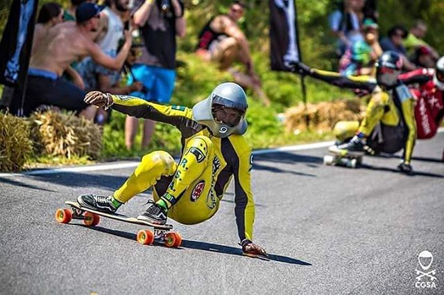 The flying banana @mauritz_arm cruises through a left at this years Kozakov like only a banana could do.  Photo: @cgsa_downhill got tons of sweet shots! Give them a follow!  #LoadedBoards #Orangatang #Tesseract #Orange #Kegels