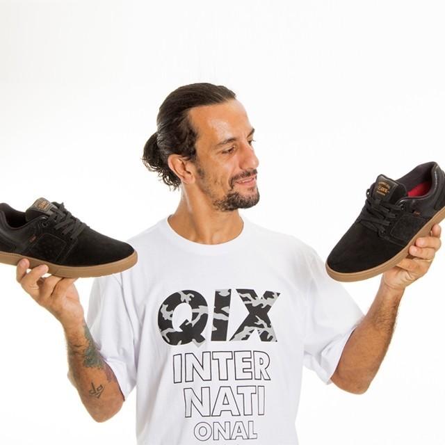"""Pro Model Rodrigo Leal """"Maizena"""" pra deixar a sessão cheia de estilo.  Pro Model Rodrigo Leal """"Maizena"""" - LOJAQIX.COM.BR #qix #qixskate #skateboard #skate #streetwear"""