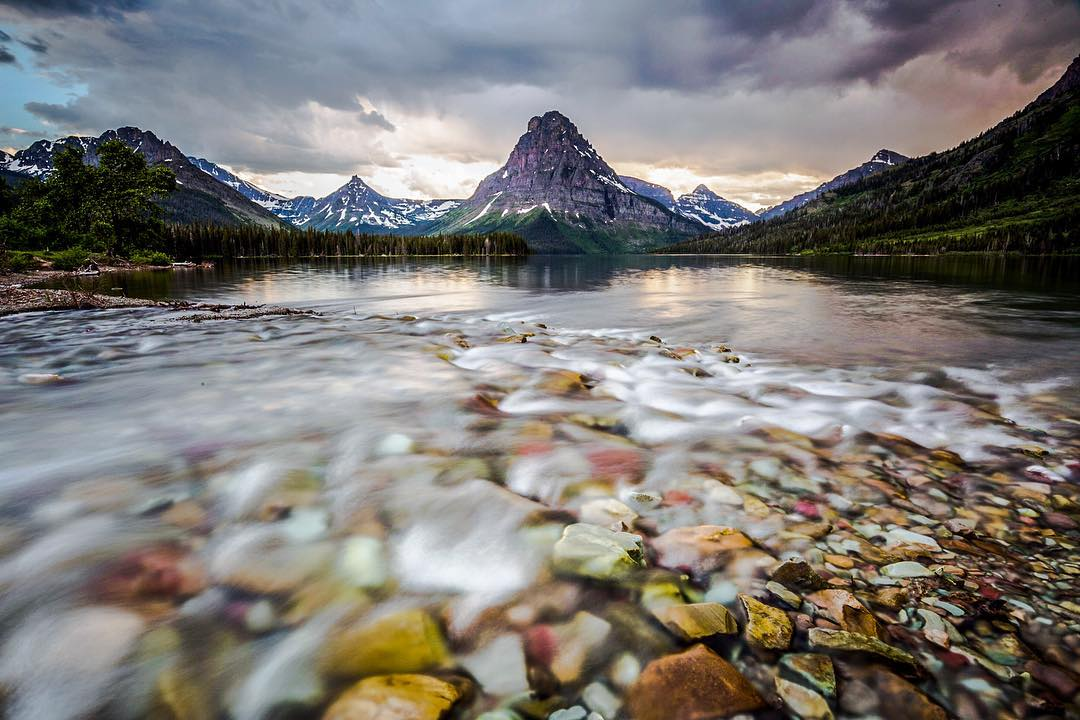 RADPARKS TAKEOVER W/ CHRISTIN @christinhealey on #glaciernationalpark - There is something about watching summer storms roll over the mountains that gets me every time. Last summer in Glacier was one of those moments that I dream of often. #parkchamps...