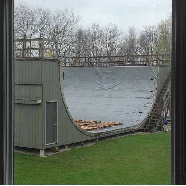 Regram @pfurnee waiting for the rain to stop. #ponds #vertramp #halfpipe #vertical  #tarped
