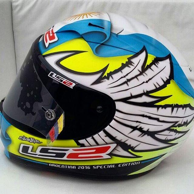 ¡Gaucho, celeste y blanco!  Mirá el diseño exclusivo que #LS2 eligió para la edición especial del casco que Yonny Hernández va a usar en el #ArgentinaGP. ¿Te gusta? #MotoGP #LS2 @yonny68