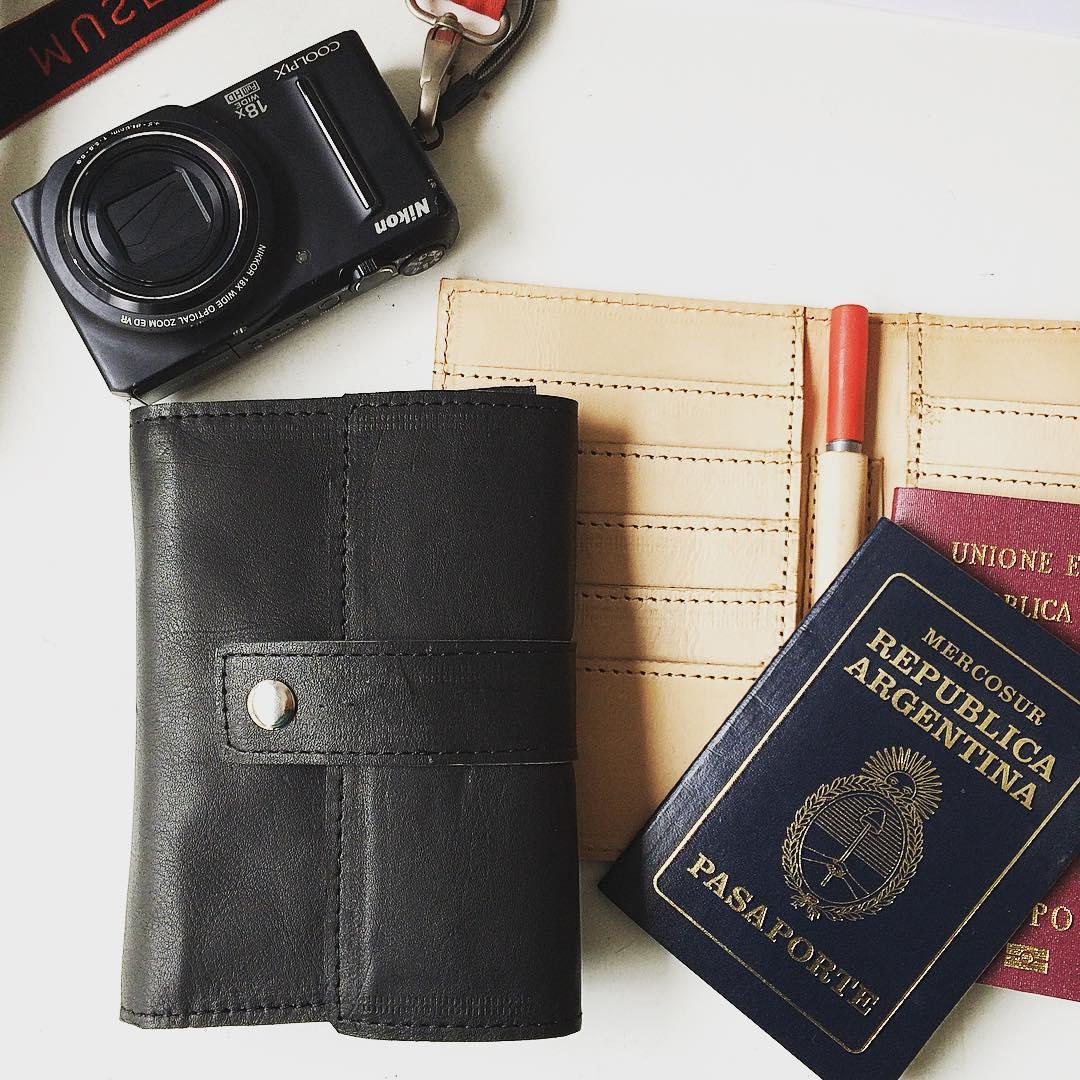 Te vas de viaje? #porta #pasaporte #industriaargentina #hechosmano #diseñoregistrado #Pitimini #travel #vacation #viajarhacebien :)