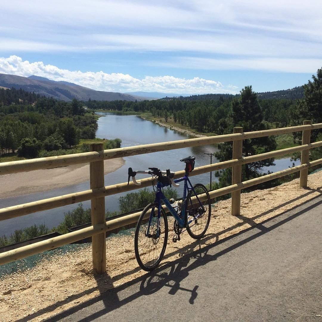 Here is @goodbikeco going on the all the #bikeadventures. Missoula, you do not disappoint. #goodbikeco #goodbikecotours #traveloregon #adventurecycling #bicycletouring #bikepacking #greengurugear