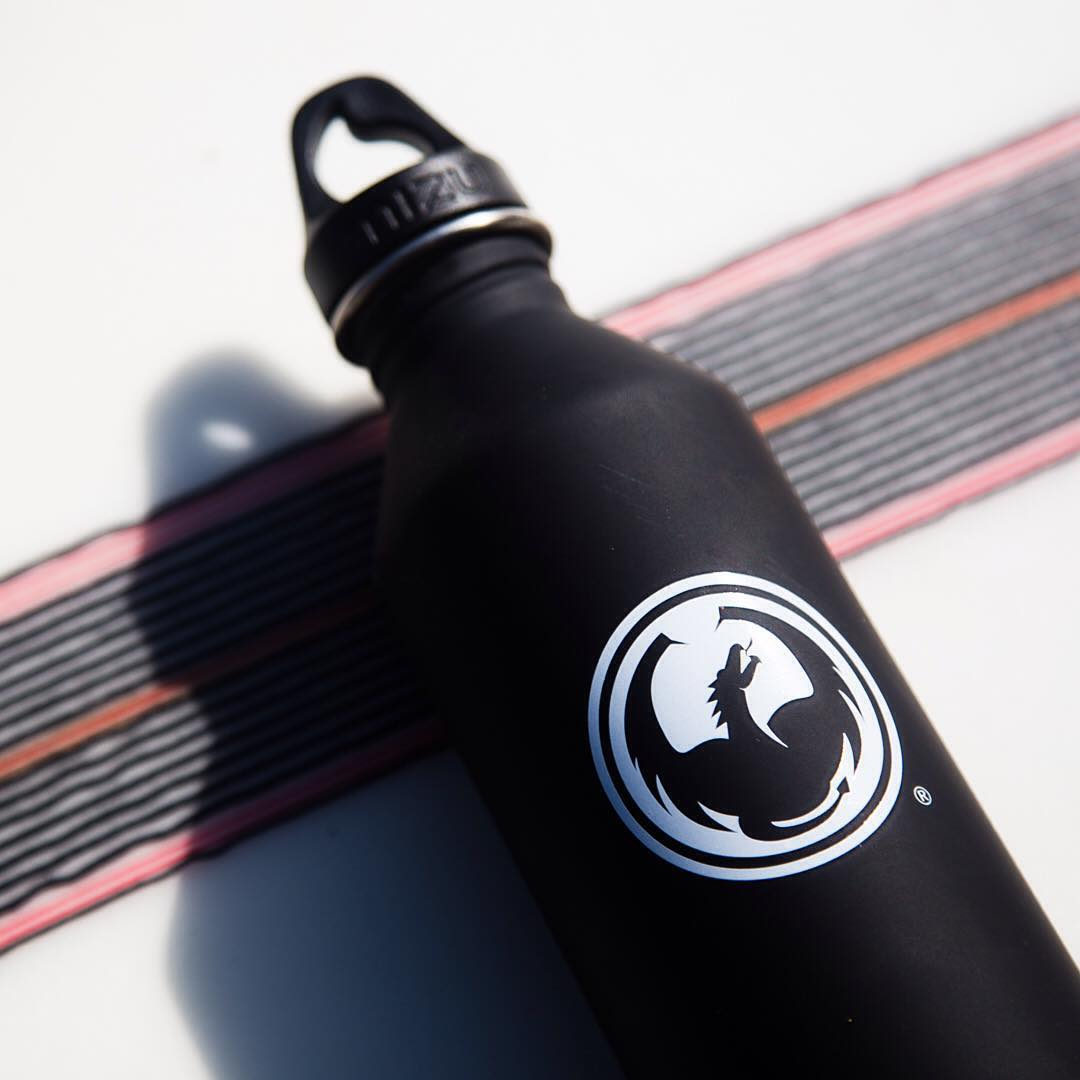 We teamed up with our good friends at @mizulife to create custom @dragonalliance x @mizulife water bottles. Read more about this collaboration from the link in our bio. #mizulife #mizucustom #dragonalliance