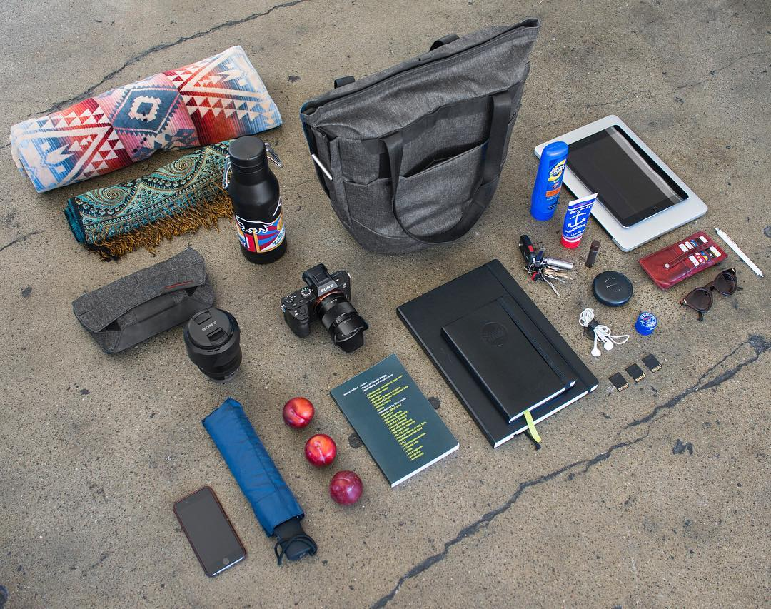 Everyday carry with the Everyday Tote. Here's a pretty standard San Francisco-in-the-summer kind of load. #findyourpeak #pdkickstarter16