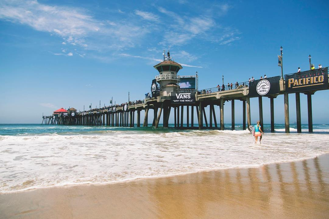 Tune into Round 3 of the @WSL #VansUSopenofSurfing live from Surf City California. @StephanieGilmore is paddling in an hour.