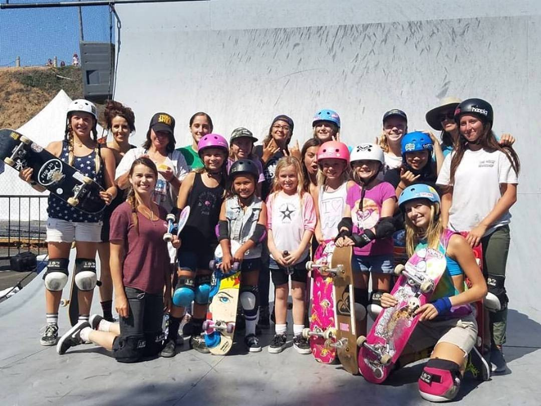 Thank You @kendra.sebelius for this group shot @supergirlpro !