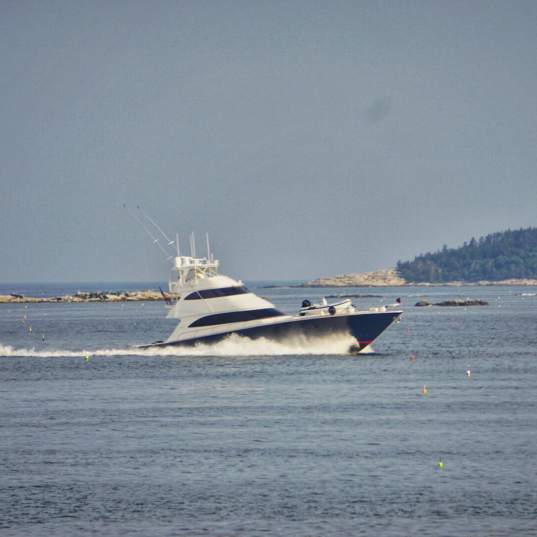 There's something really pretty about a Viking cruising at 30 knots behind two V-16 2600HP Cat diesels.....this being true I definitely don't want to see the fuel bill! #yachtlife #vikingyachts #maine #sportfish #makeamericagreatagain