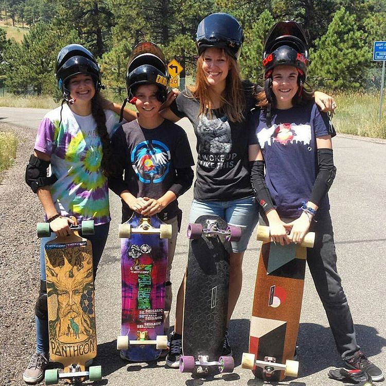 #LoadedAmbassador @spokywoky teaching the younger generation of lady shredders the art and technique of downhill with @candybombing and @boardlifeusa  #LoadedBoards #Orangatang #Purple #Kegels #BoardLifeUSA