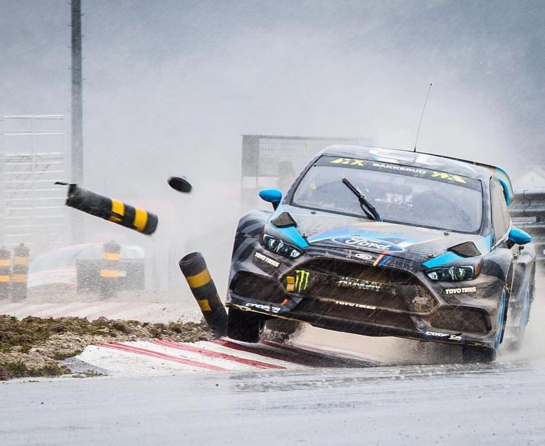 Crazy wet weather in Portugal was @andreasbakkerud's first race in the Focus RSRX. Back to back 1st place races later, we think he's getting the hang of this thing! #focusrs #worldrx #ford