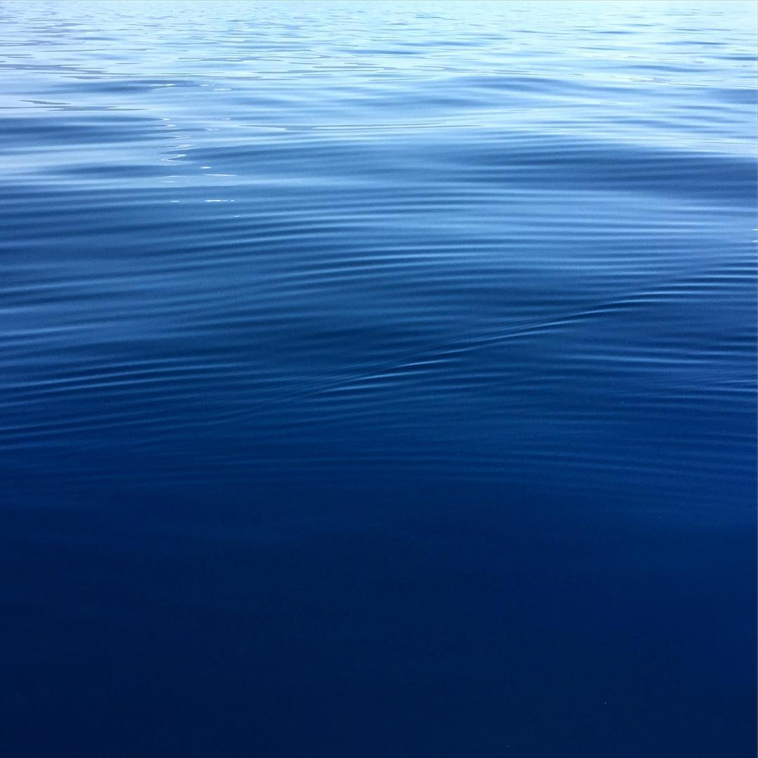 Glassy #laketahoe #tahoe #roadtrippinwithrachel