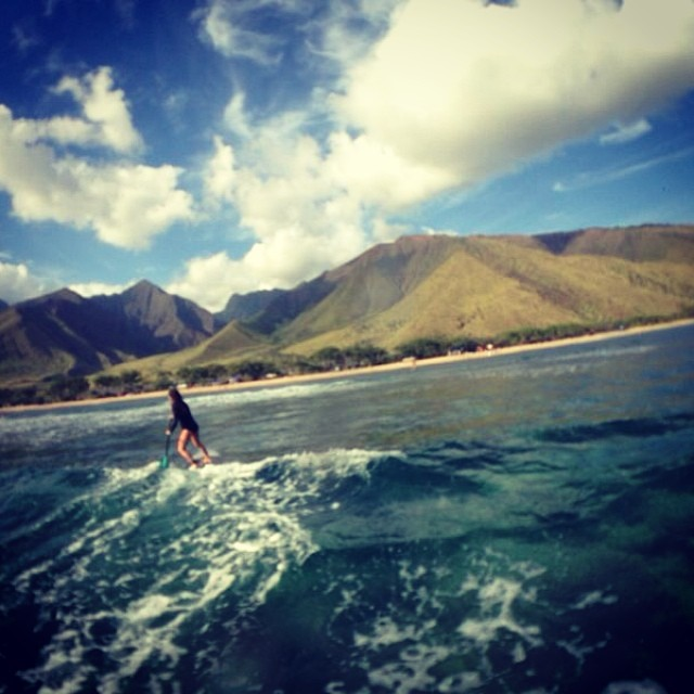 #friends // @simonatallernatural de visita en #Maui #hawaii  #sup #surfing