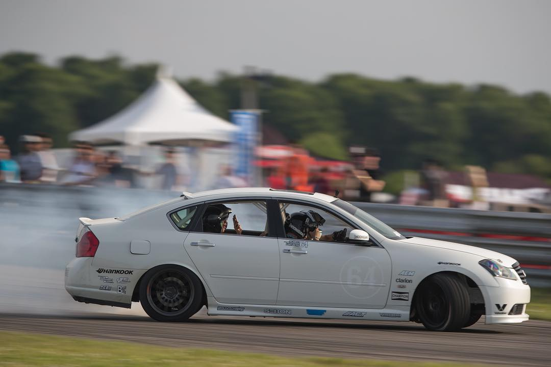 4 racing buckets and a butt ton of HP… @chrisforsberg64's #laflamablanca is about as rowdy a family sedan can get.